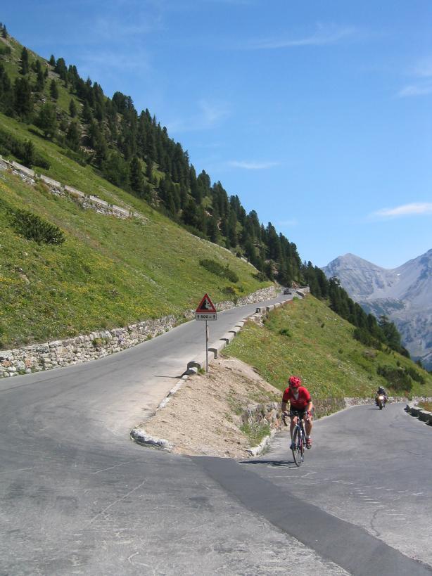[组图] Stelvio Pass:挑战驾驶乐趣 - 路人@行者 - 路人@行者